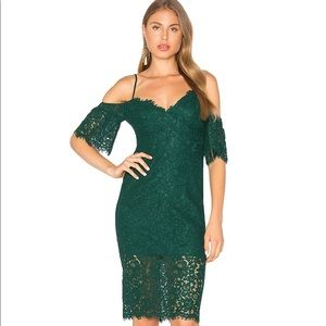 SOLD ❤️🎀Beautiful off the shoulder Bardot dress